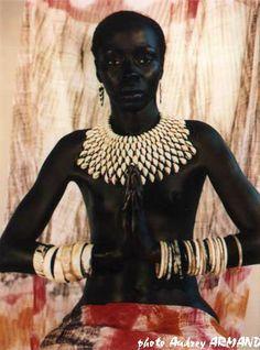 African cauri necklace (Ref : BIJ1050)