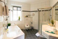 Boka Hotel Post i Bad Gastein I Am Bad, Alcove, Bathtub, Bathroom, Hotel Bedrooms, Standing Bath, Washroom, Bathtubs, Bath Room