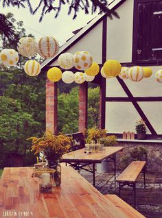 Hüttengaudi, outdoor decoration in the summer, beer tent decoration, rustic table decoration, country desire Source by Garden Party Decorations, Tent Decorations, Beer Garden, Rustic Table, Easy Peasy, Wedding Bouquets, Diy And Crafts, Outdoor Decor, Gardening