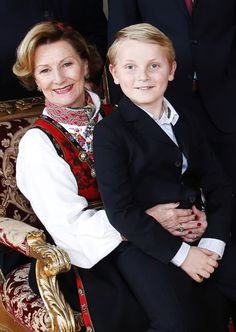royalwatcher: Norwegian Royal Family Christmas Photocall, December 2014-Queen Sonja and grandson Prince Sverre Magnus