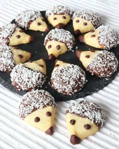 Too cute to eat Swedish Recipes, Sweet Recipes, Cake Recipes, Snack Recipes, Dessert Recipes, Snacks, Kolaci I Torte, Food Humor, Christmas Desserts