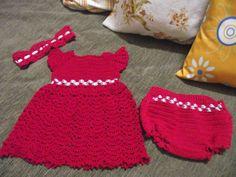Conjunto composto de vestido, calcinha e tiara (1 a 3 meses)