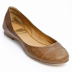 Ballet Flats come in Black and Africa.Italian Leather, Made in Italy Ballerina Pumps, Ballet Flats, Italian Leather, Roots, Shoe Bag, My Style, Closet Space, How To Wear, Flat Shoes