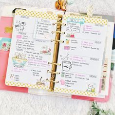 Last pic of the #plannerchallenge I followed this month, promise. This is from #indonesianplannercommunity #ipc_august day 11: weekly planning. I finally got my hands on those cute piggy stickers ❤️❤️