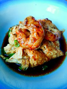 Prawn & Ginger Egg Foo Young Chinese Bbq Pork, Chinese Food, Egg Foo Young, How To Make Omelette, Prawn, Shrimp, Fried Cabbage, Omelettes
