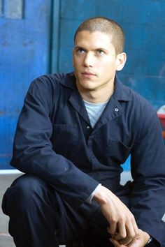 Michael Scofield-- Where did Wentworth Miller go? We NEED more TV/movies with him in them. Movies And Series, Best Series, Tv Series, Wentworth Miller Prison Break, Wentworth Prison, Michael Scofield, Michael And Sara, Leonard Snart, Backgrounds