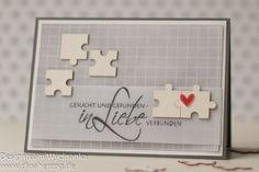 Sind sie nicht allerliebst, die kleinen Puzzle-Teilchen von Wycinanka? Die standen ganz oben auf meiner Wunschliste – perfekt für eine Karte zur Hochzeit! Das Papier stammt aus dem 6×8″ `Hello Beautiful´- Paperpad von Heidi Swapp, der Stempel ist von Rayher. Liebe Grüße, Dina