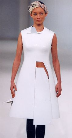 hussein chalayan, echoform | autumn/ winter 1999 – 2000 | picture: chris moore©