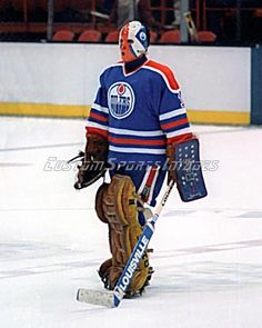 Grant Fuhr Photo - Edmonton Oilers - 8x10 | eBay Hockey Goalie, Hockey Games, Hockey Players, Ice Hockey, Goalie Mask, Hockey Stuff, Edmonton Oilers, Washington Capitals, Nfl Fans