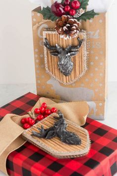 This DIY Christmas gift wrapping idea of adding a Christmas ornament to the gift is a wonderful way to make your gift beautiful. Christmas Gift Wrapping, Great Christmas Gifts, All Things Christmas, Christmas Crafts, Christmas Decorations, Christmas Ornaments, Homemade Gifts, Diy Gifts, Christmas Inspiration
