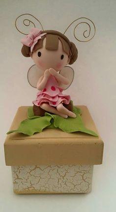 Lindas cositas Cute Polymer Clay, Polymer Clay Dolls, Polymer Clay Projects, Polymer Clay Charms, Fairy Birthday Cake, Clay Aiken, Clown Party, Gingerbread Ornaments, Clay Baby