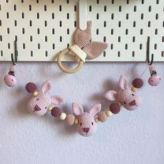 """29 gilla-markeringar, 2 kommentarer - ❤️ Loupha's Hæklerier ❤️ (@louphas.haeklerier) på Instagram: """"Endnu en babypakke blev færdig og afleveret i weekenden #madetoorder #crochettoy #mayflower…"""""""
