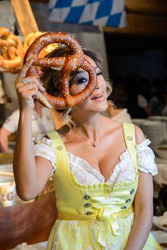Verona Pooth - www.stanglwirt-weisswurstparty.com Verona, Oktoberfest Food, My Happy Place, Celebrities, Party, Butcher Shop, Celebrations, Dirndl, Love