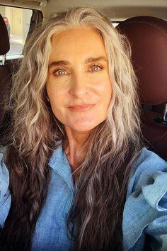 Long Gray Hair, Silver Grey Hair, Beauty Over 40, Transition To Gray Hair, Skin Care Treatments, Old Models, Hair A, Good Skin, Hair Inspo