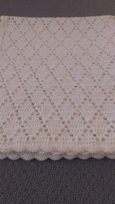 Handmade Crochet Pure White Diamond Pattern by AnnaKellyCreations                                                                                                                                                                                 Mais