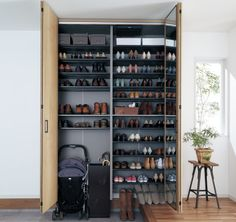 Shoe Cupboard, Cupboard Storage, Small Entrance, Entrance Hall, Japanese House, House Made, Home Organization, Storage Spaces, House Plans