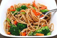 Whole wheat pasta with veggies and peanut sauce