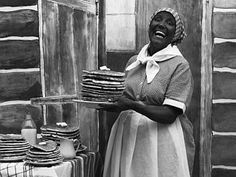 "Nancy Green - born a slave - the REAL ""Aunt Jemima"". Aunt Jemima Pancakes, Minstrel Show, Us History, History Class, Black History, Feel Good Stories, How To Make Pancakes, Set Me Free, Poses For Pictures"