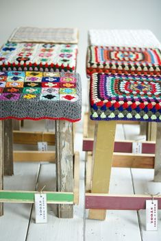 crochet granny square stool covers - too cute! Crochet Diy, Crochet Home, Love Crochet, Grannies Crochet, Stool Covers, Seat Covers, Yarn Bombing, Crochet Projects, Scrappy Quilts