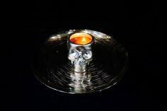 """Kerzen Dekoration mit der """"ERFURTER FEUERBLUME"""". Einem wiederverwendbaren Schwimmlicht das Rapsöl verbrennt. Der Docht ist einfaches Küchenpapier. www.erfurter-feuerblume-de"""
