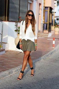 Gorgeous Skirt Work Outfits For Office Women (27)