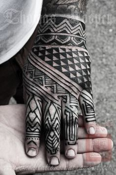 Blackwork hand tattoo by Thomas Hooper Tribal Hand Tattoos, Hand Tats, Foot Tattoos, Arm Tattoo, Trendy Tattoos, Black Tattoos, New Tattoos, Tattoos For Guys, Tattoo Ideas