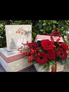 Caja de flores de navidad.www.floresenvalladolid.es