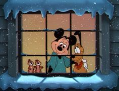 You usually see Chip and Dale with Donald Duck rather than Mickey. Christmas Cartoon Movies, Best Christmas Movies, Mickey Christmas, Christmas Cartoons, Christmas Shows, Noel Christmas, Retro Disney, Vintage Disney, Disney Love