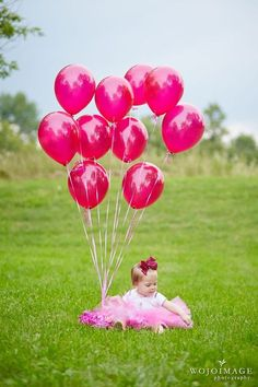 Great ideas for a one-year-old photo shoot. I would love to do this for clients!