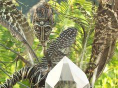 Escultura metales cobre bronce alpaca plumas cuarzo gemas agatas