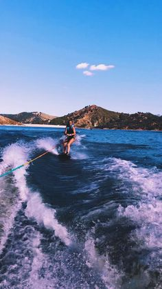 """Obtain great recommendations on """"Water Skiing"""". They are actually readily available for you on our website. Lake Pictures, Surfing Pictures, Lake Photos, Kayak Pictures, Wakeboard Boats For Sale, Hyperlite Wakeboard, Wakeboarding Girl, Cycling Art, Cycling Quotes"""