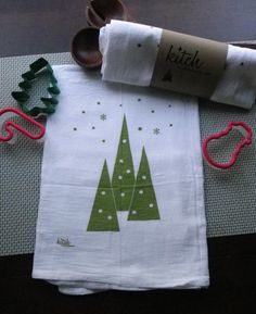 like the way the print is done on the towel - - - Christmas Dish Towel.  So cute!!