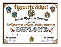 A L'ECOLE DE Plus Magie Harry Potter, Décoration Harry Potter, Harry Potter Halloween, Harry Potter Drawings, Harry Potter Birthday, Harry Potter Bricolage, Dobby Harry, Harry Potter Christmas Decorations, Potter School