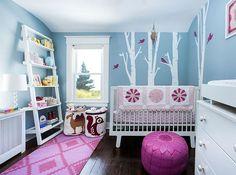 décoration chambre bébé fille avec touches de rose