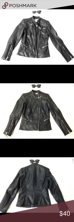 Black Jacket made of 100% Polyester Size 4 H&M Black Polyester Jacket Made of 100% Polyester (Coating and Lining) Worn only a few times, good as new NO runs, NO stains, NO tears, NO damages  Zippers are perfectly fine H&M Jackets & Coats