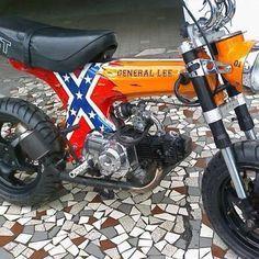 Badass Mini Bike Kits: How to get your kid started early Custom Mini Bike, Custom Moped, Duke Motorcycle, Bike Cart, Mini Chopper, Cherokee Sport, Bike Pic, Moped Scooter, Pit Bike