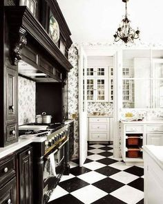 Classic black and white kitchen interior. I have always loved checkered floors. Beautiful Kitchens, Beautiful Homes, Orangerie Extension, White Kitchen Floor, Kitchen Black, Checkered Floor Kitchen, Nice Kitchen, Awesome Kitchen, Kitchen Modern