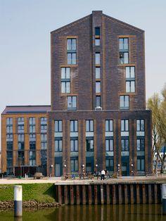 Het Campus Windesheim in Zwolle, spreekt mensen aan door de vanzelfsprekende architectuur. De gevelbekleding is gerealiseerd met de Kogelbloem wasserstrich en de Zonnebloem wasserstrich van de fabriek in Haaften.