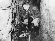 FRENCH ARMY WESTERN FRONT 1914-1918 (Q 69984)   Officer of the French Army Engineers listening to the sound of enemy operations with a microphone in the underground tunnel.