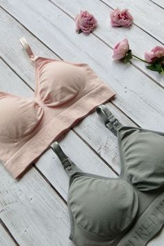 These beautiful seamless nursing and maternity bras from Kindred Bravely are the best nursing bras ever. They are supportive, stretchy, seamless, and smooth! The seamless bra is perfect to wear under a t-shirt, as loungewear, or for sleeping. Available in 5 neutral colors to complement your wardrobe.