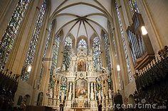 La parte más interesante de la catedral de Erfurt son las magníficas vidrieras de la época medieval correspondientes a los siglos XIV y XV y que está considerado como el conjunto de vitrales más impresionante de Alemania.