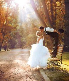 Fall wedding http://www.tumblr.com/tagged/fall%20wedding