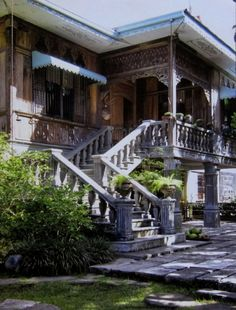 Sulyap Bed and Breakfast, Laguna Spanish Mansion, Spanish Colonial Homes, Colonial Mansion, Filipino Architecture, Philippine Architecture, Vernacular Architecture, Art And Architecture, Filipino House, Old House Design
