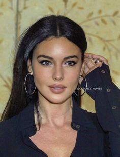Beauty Makeup, Hair Makeup, Hair Beauty, Eye Makeup, Most Beautiful Faces, Beautiful Women, Monica Bellucci Young, Monica Belluci Malena, Brunette Beauty
