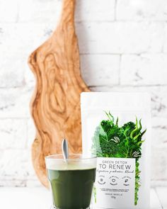 GREEN DETOX - TO RENEW by Unique Muscle is a super healthy, super greens blend designed to have you feeling energised and revitalised, a brand new you! Helping with any digestive problems and improving overall gut health! Barley Grass, Pantothenic Acid, Green Powder, Wheat Grass, Spirulina, Green Life, How To Increase Energy, Natural Flavors, Vitamins And Minerals