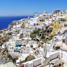 Look like something out of a Fairy Tale , Santorini island (Σαντορίνη)❤️. Outstanding Oia village with unique Cycladic architecture !