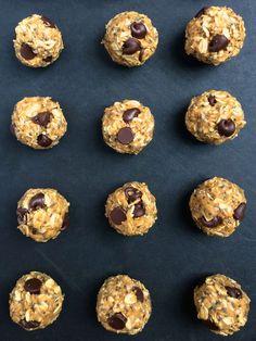 Chocolate Chia Coconut Energy Bites ~ The Lemon Bowl #glutenfree #vegan