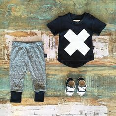 SALE • Huxbaby organic cross tee, triangle leggings & Converse Baby Chucks. Selected Huxbaby styles are now on sale at Tiny Style online •  www.tinystyle.com.au