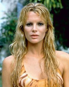 Kim Basinger 221510 picture available as photo or poster, buy original products from Movie Market Kim Basinger, Classic Actresses, Beautiful Actresses, Sublime Creature, Bond Girls, Best Sneakers, Girl Next Door, Classic Beauty, Covergirl
