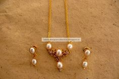 Latest Indian Clothing And Jewellery Designs: Gorgeous Gold Necklace With Pearls